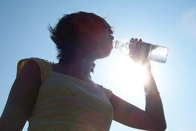bebiendo_agua.jpg