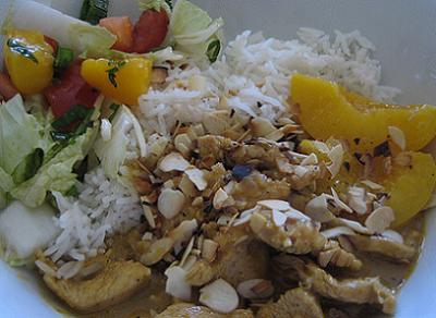 Ensalada de arroz, pavo y albaricoque